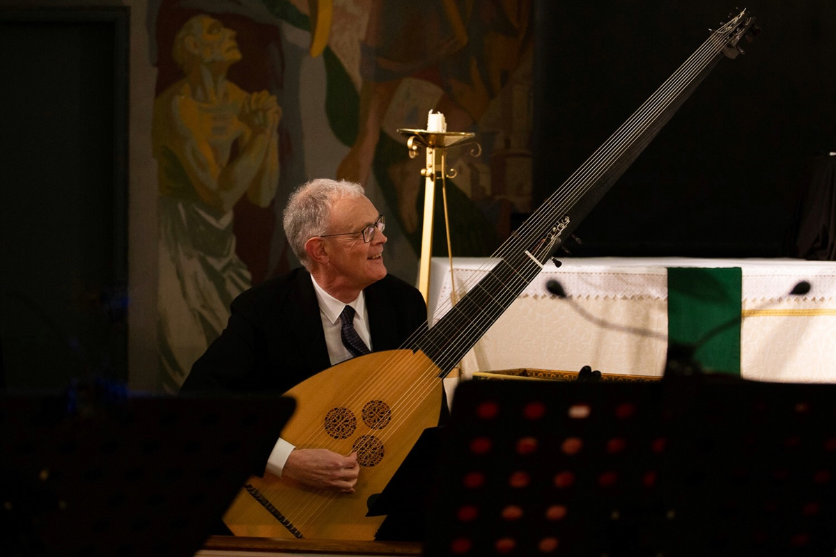 article thumb - Theorbo player Peter Martin