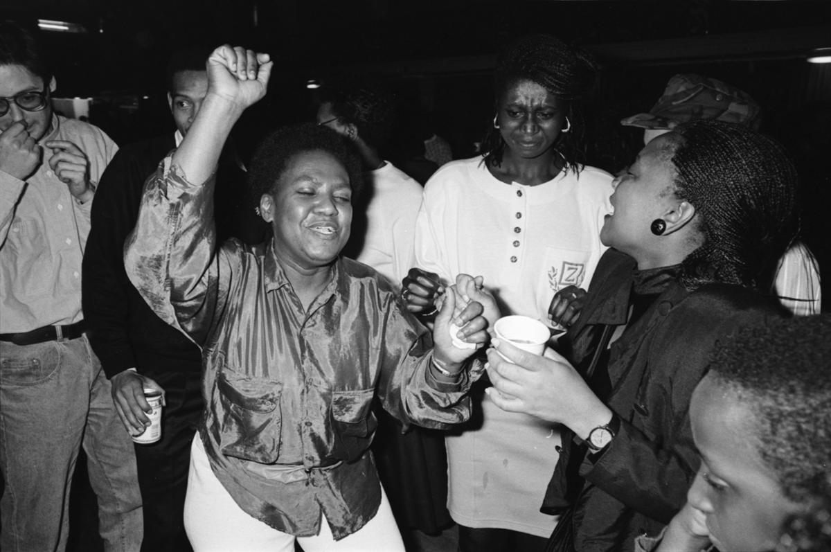 article thumb - Party to celebrate Nelson Mandela's release, 1990 (Phil Polglaze)